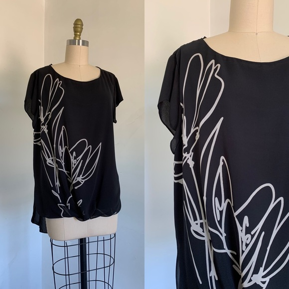 Vince Camuto   Black and White Hi-Lo Blouse